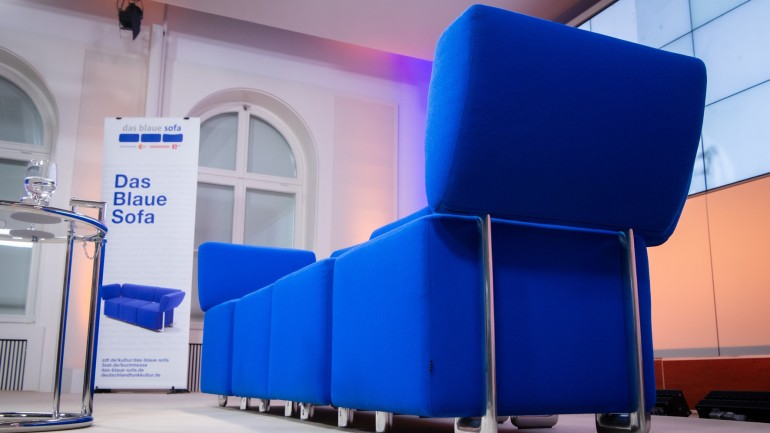 During the digital Frankfurt Book Fair 2020, the Blue Sofa welcomed more than 60 authors to Bertelsmann Unter den Linden in Berlin