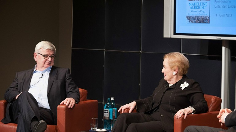 Former U.S. Secretary of State Madeleine Albright at the presentation of her autobiography, with former German Foreign Minister Joschka Fischer in 2013