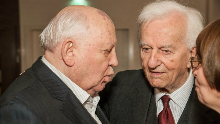 Mikhail Gorbachev and former German Federal President Dr. Richard von Weizsäcker, 2013