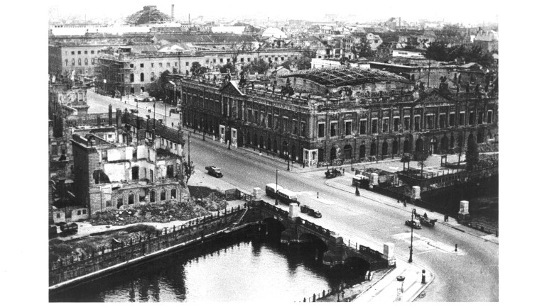 View from the ruined palace (the destroyed City Commandant's Headquarters on the left), before 1950