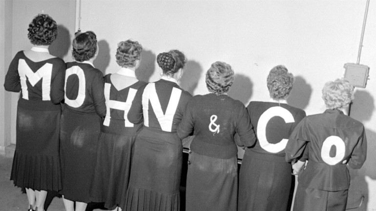 Creative display of the logo: Mohn & Co, around 1955.